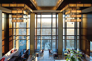 tokyo-5-star-east-lobby-01-landscape